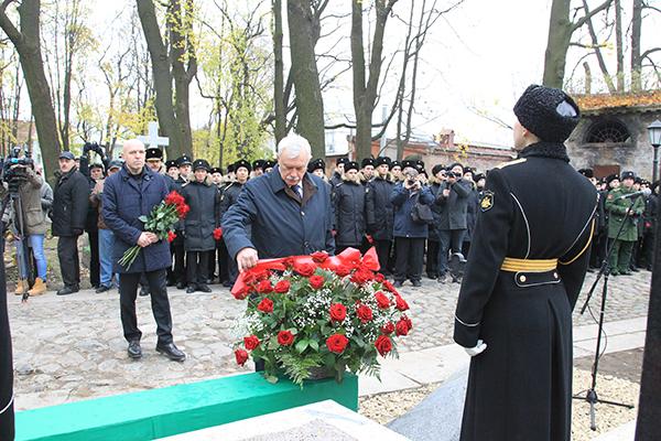 После масштабной реставрации на Смоленском лютеранском кладбище открыт памятник на могиле адмирала Петра Анжу.