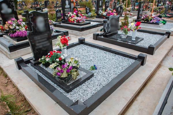 На кладбищах Санкт-Петербурга и Ленинградской области начался установочный период